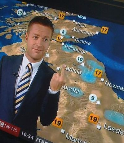 BBC_weatherman_finger